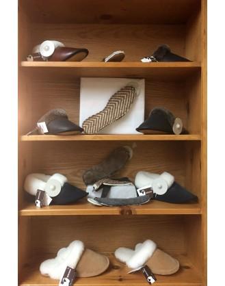Pantoufle de mouton et semelle de botte en castor rasé ou laine d'alpagas