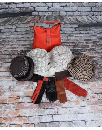 Sac à main en liège, chapeaux laine ou feutre, gants cuir